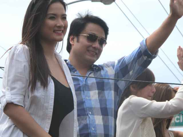 I think Sen. Bong Revilla is already in his 50's right? But he still looks so young. :)